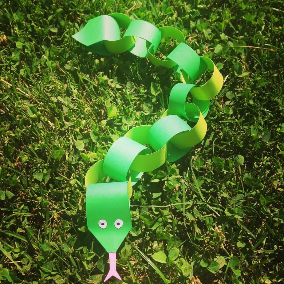 Kid's Craft – Snake Chain