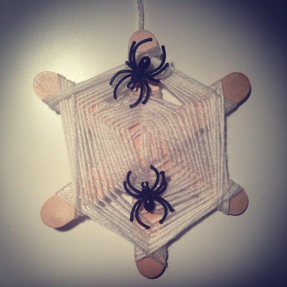 Kid's Craft – Spider Web Weave