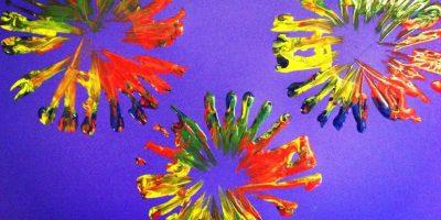 Kid's Craft – Paper Roll Fireworks!