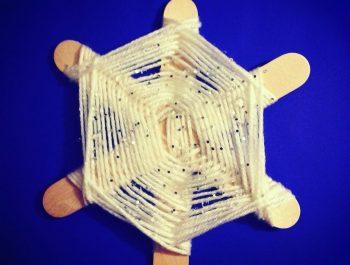 Kid's Craft – Sparkly Snowflake Weave
