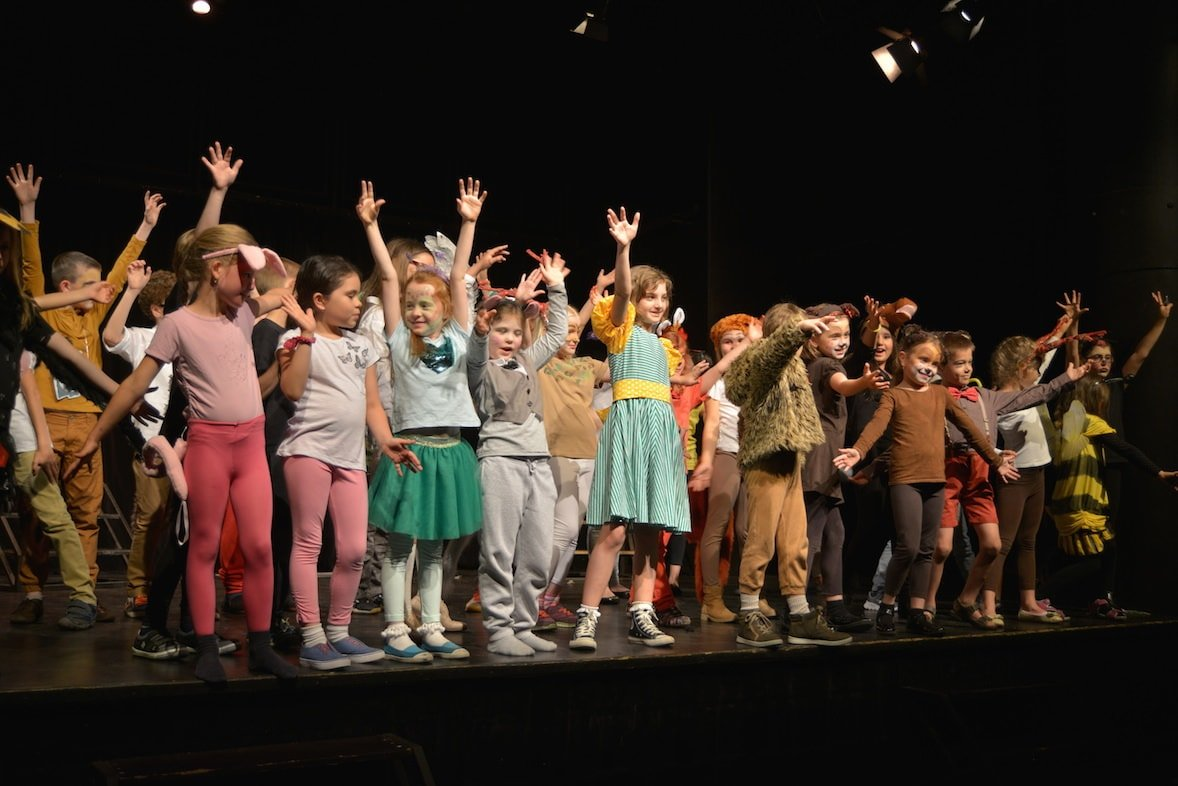 Teacher Tip   How to Keep Your Whole Cast Engaged Throughout a Performance